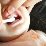 小さい子どもの歯磨きはどうすればいいか